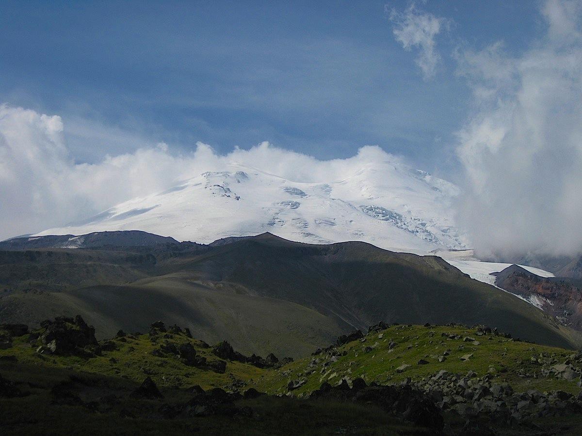 «Крест» Эльбруса с севера